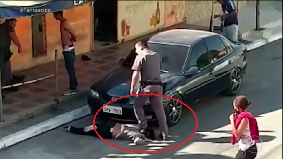 Βραζιλία: Εικόνες σοκ από την κακοποίηση γυναίκας από αστυνομικό