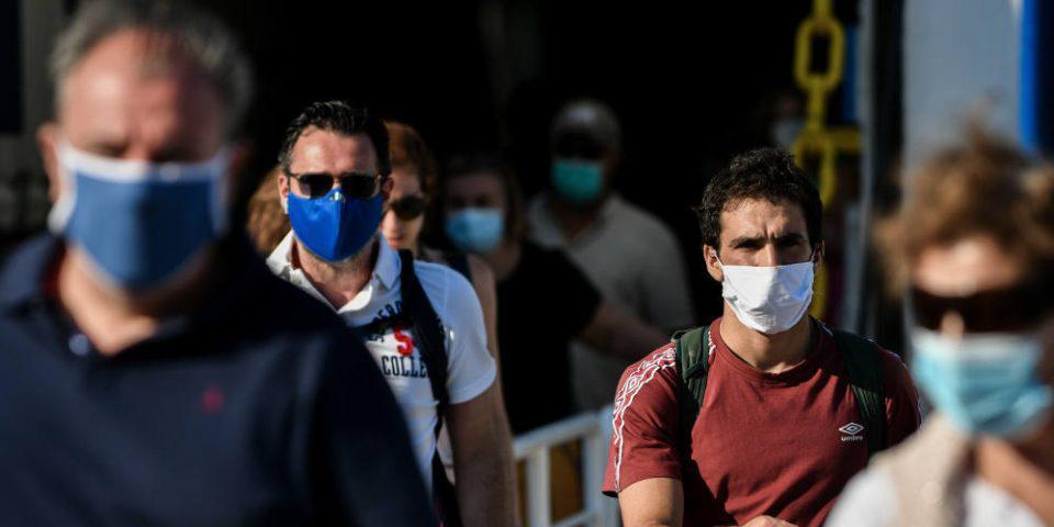 Κορωνοϊός: Υποχρεωτική η χρήση μάσκας και στους εξωτερικούς χώρους των πλοίων - Τι ανακοίνωσε ο Πέτσας