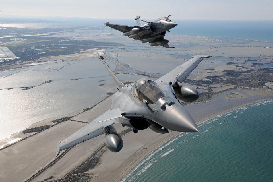 Ελληνικά Rafale: Πότε θα έρθουν τα γαλλικά μαχητικά μαζί με τους πυραύλους «δολοφόνους» Μeteor