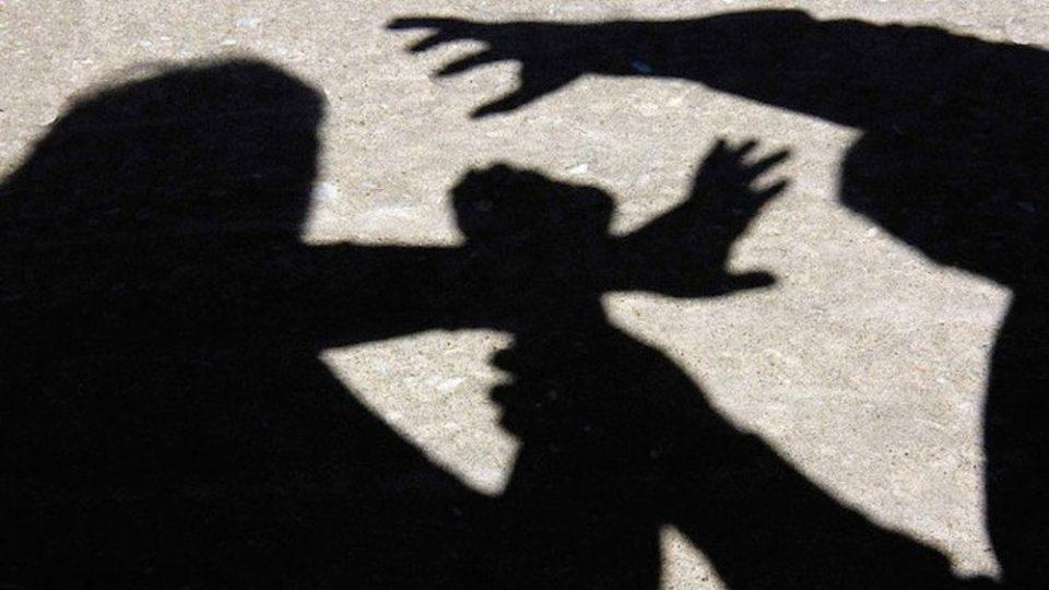Τρίκαλα: Έστησε καρτέρι και έδειρε τον εραστή της γυναίκας του
