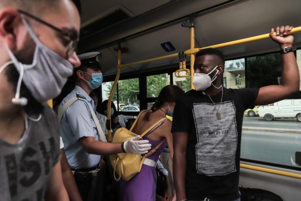 Κορωνοϊός: Ανοιχτό το ενδεχόμενο νέων μέτρων για να σπάσει η αλυσίδα μετάδοσης