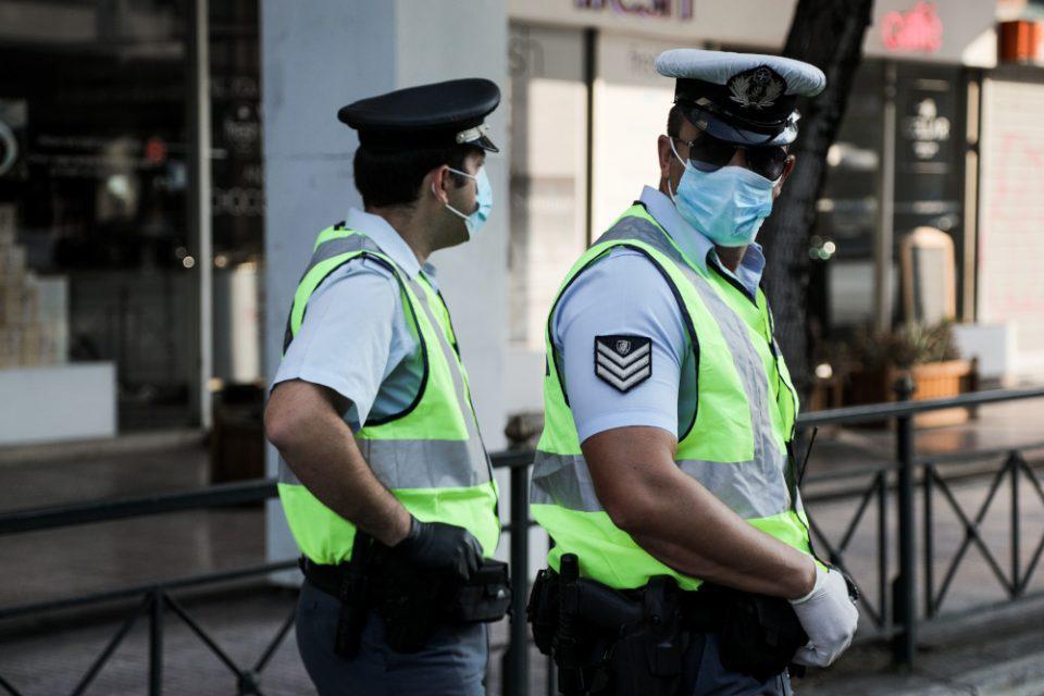 Κορωνοϊός: Στους… δρόμους τα Αστυνομικά Τμήματα – Ο ρόλος τους και οι στοχευμένοι έλεγχοι