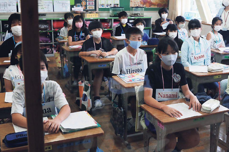 Κορωνοϊός: Παγκόσμιος συναγερμός για το άνοιγμα των σχολείων - Πώς θα γυρίσουν στα θρανία 1,5 δισ. μαθητές