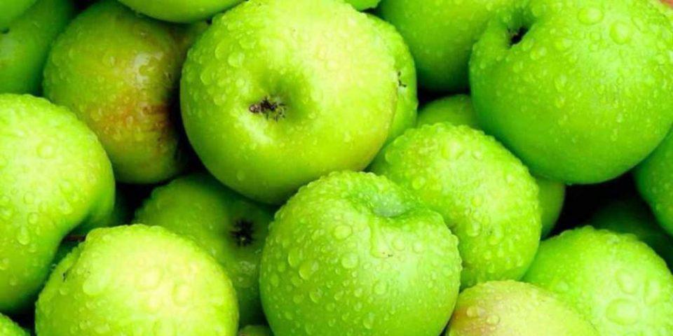 Το μυστικό για τέλεια επιδερμίδα: Σπιτική μάσκα ομορφιάς με πράσινο μήλο!