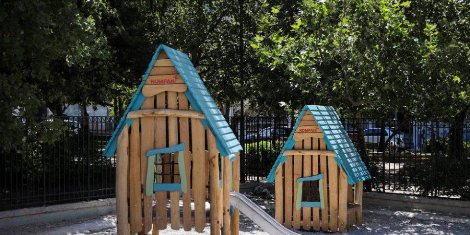 Δήμος Αθηναίων: Παραδίδονται 19 ανακατασκευασμένες παιδικές χαρές