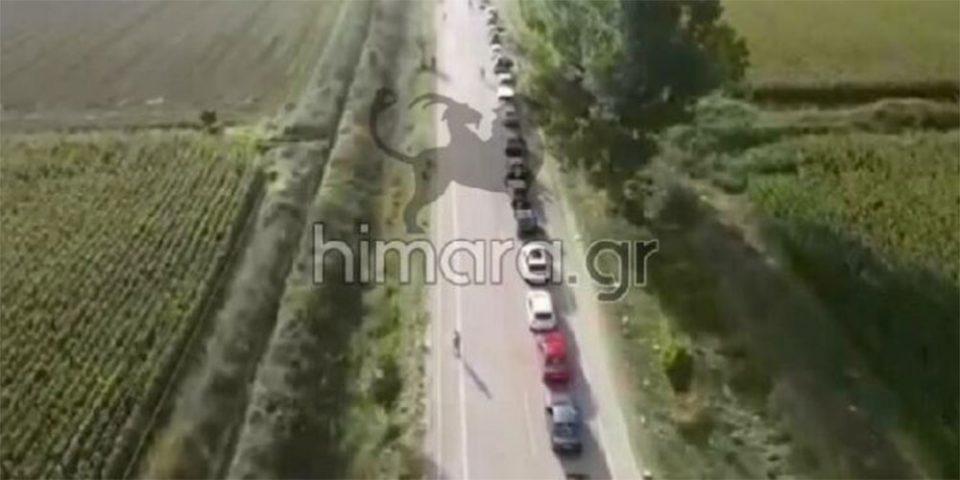 Κακαβιά: Ουρές χιλιομέτρων και ταλαιπωρία στα σύνορα - Αναμονή μέχρι και 12 ώρες