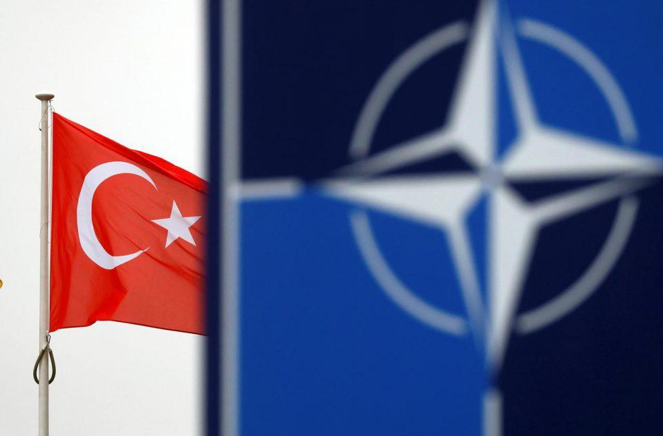 Ελληνοτουρκικά: Γιατί ευνοείται από την Ελλάδα από το άνοιγμα της «ομπρέλας» του ΝΑΤΟ