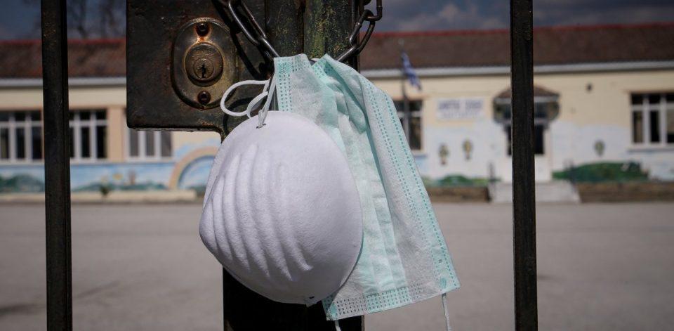 Μέγα σκάνδαλο στη Γερμανία: Το υπ. Υγείας θα έδινε ακατάλληλες μάσκες σε άστεγους, άνεργους και ΑΜΕΑ