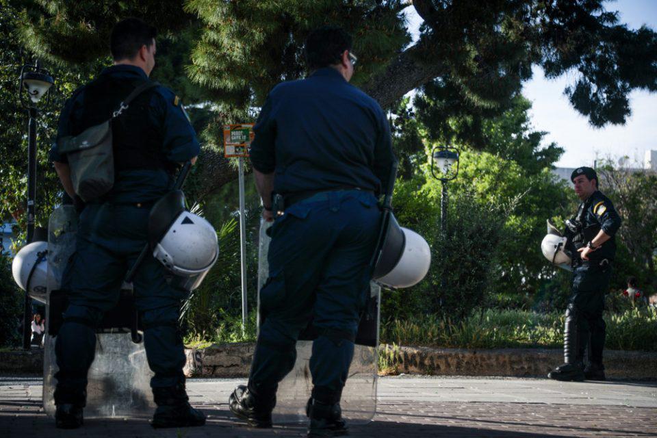 Πάτρα: Επιτέθηκαν στους αστυνομικούς γιατί τους χάλασαν το γλέντι
