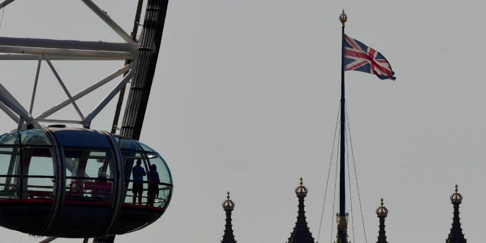 Βρετανία: Εγκρίθηκε η μονομερής αναθεώρηση της συμφωνίας με την Ε.Ε.