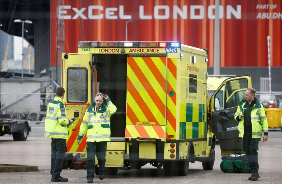 Κορωνοϊός - Βρετανία: Αρνητικό ρεκόρ 1.820 θανάτων