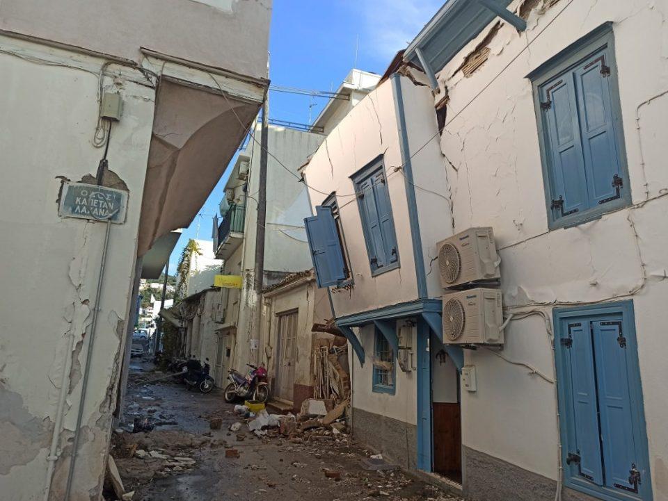 Σεισμός στην Σάμο: Συγκλονιστικές εικόνες από τις καταστροφές και το τσουνάμι- Έγινε αισθητός σε όλη την Ελλάδα