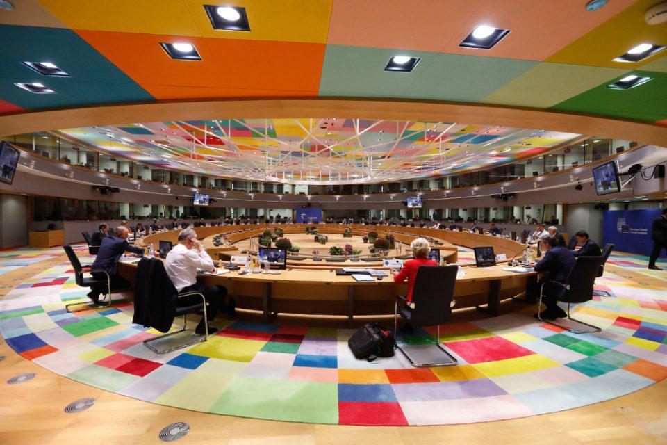 Νύχτα θρίλερ στη Σύνοδο Κορυφής: Τρίτο προσχέδιο συμπερασμάτων της ΕΕ για να στηρίξουν Ελλάδα και Κύπρο