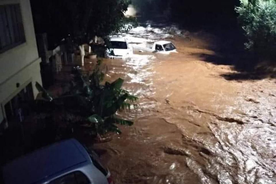 Κακοκαιρία: Κινδυνεύουν άνθρωποι στη Χερσόνησο - Μεγάλες οι καταστροφές