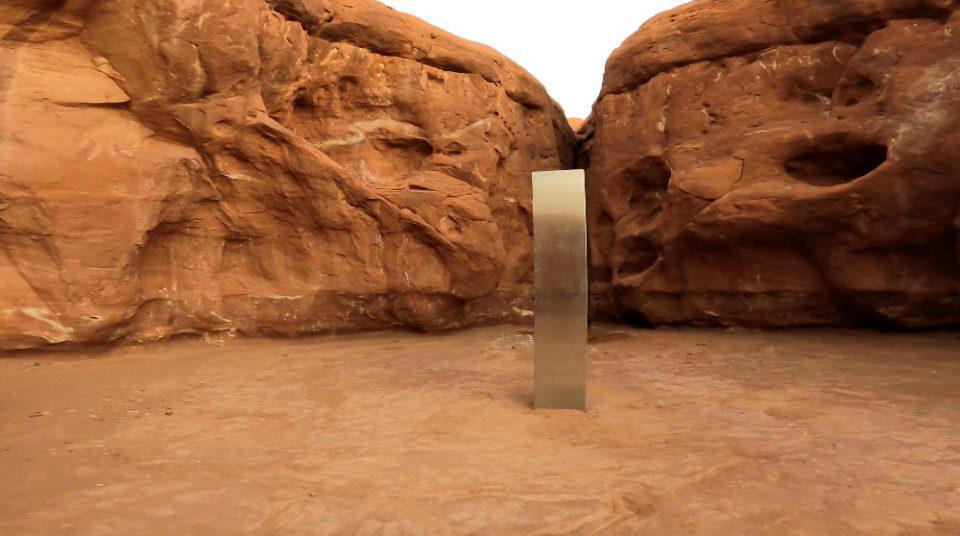 Μυστήριο: Ο μεταλλικός μονόλιθος που βρέθηκε στη Γιούτα... εξαφανίστηκε