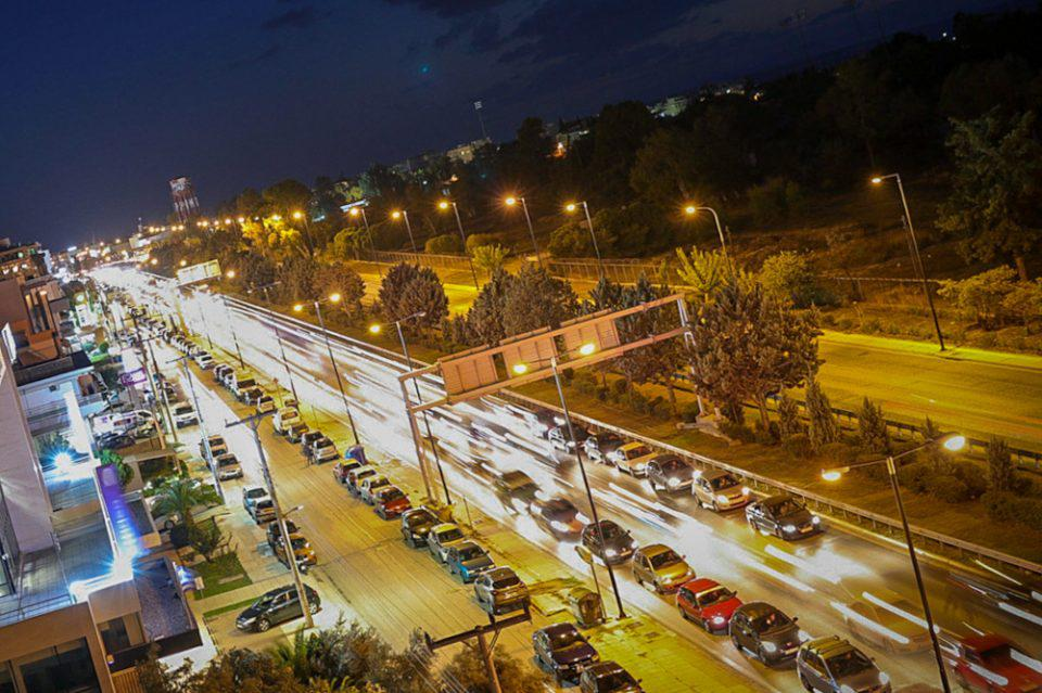 Κορωνοϊός – Lockdown: Η μεγάλη έξοδος - Τεράστιες ουρές σε ΚΤΕΛ και εθνικές - Χαμός στα καταστήματα