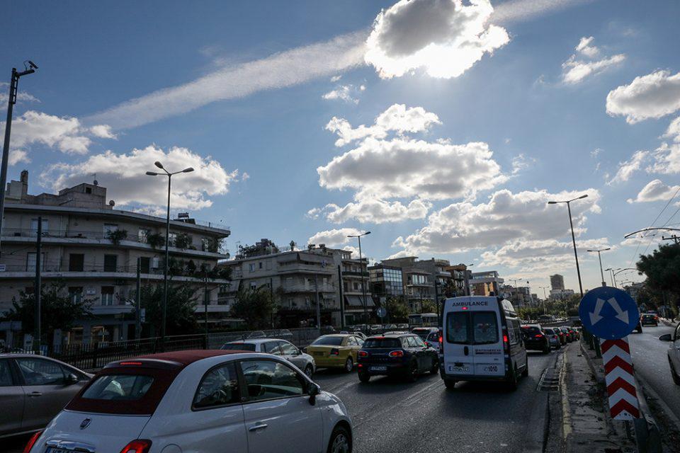 Lockdown 2: Κατά 35% αυξημένη η κίνηση των οχημάτων στην Αττική....