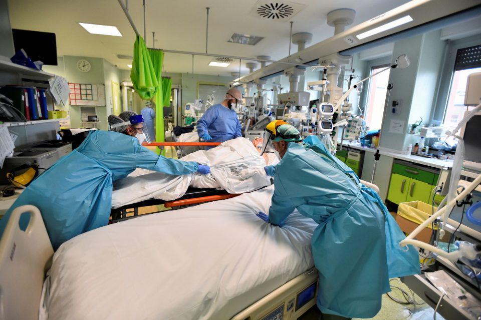Κορωνοϊός - Ιταλία: 14.372 νέα κρούσματα και 492 θάνατοι τις τελευταίες 24 ώρες