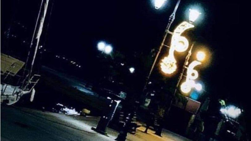 Χαλκίδα: Βλέπουν το 666 του Σατανά στον χριστουγεννιάτικο στολισμό