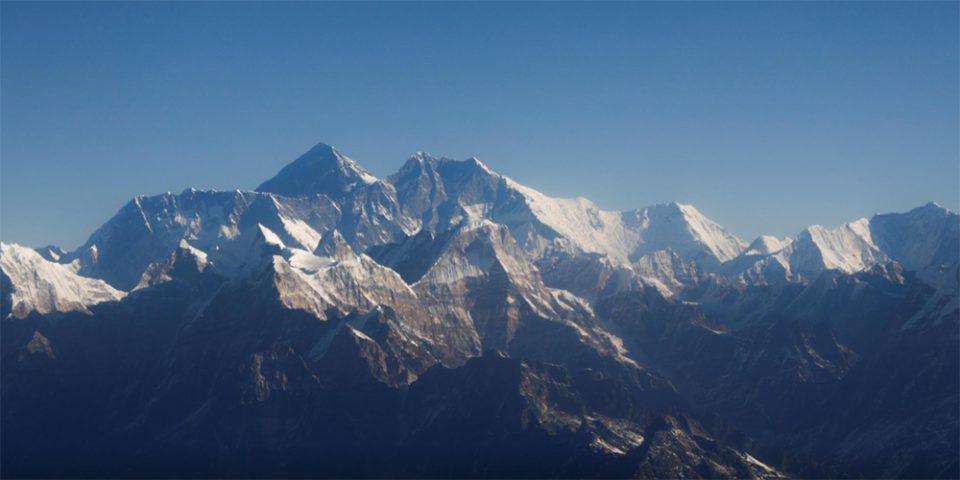 Στην κορυφή του Έβερεστ ο πρώτος Κινέζος τυφλός ορειβάτης