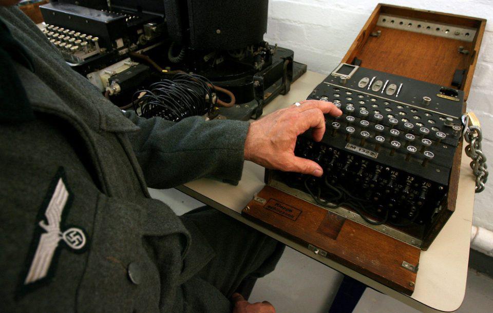 Γερμανία: Δύτες εντόπισαν μια σπάνια μηχανή κρυπτογράφησης Enigma του Β΄Π.Π.