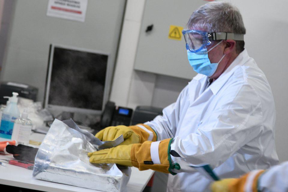 Πέτσας: 429.000 εμβόλια έως τέλος Ιανουαρίου - Θα δίνεται πιστοποιητικό εμβολιασμού