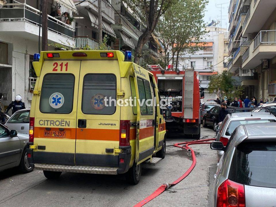 Tραγωδία στη Θεσσαλονίκη: Η μητέρα του 16χρονου που κάηκε στο διαμέρισμα έφυγε χθες για την Αλβανία