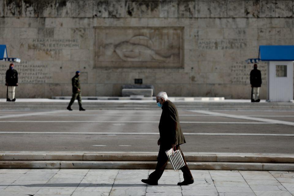 Κορωνοϊός - Βατόπουλος: Όλα είναι στο τραπέζι - Δύσκολη η απαγόρευση κυκλοφορίας από τις 18:00