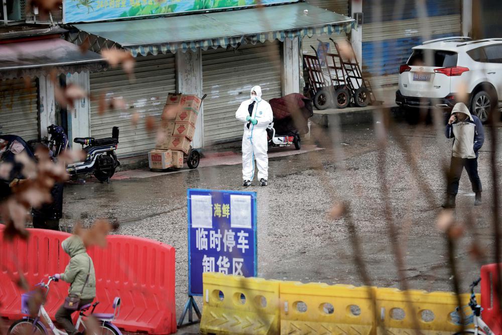 Κορωνοϊός: Δέκα φορές περισσότερα τα κρούσματα στην Ουχάν