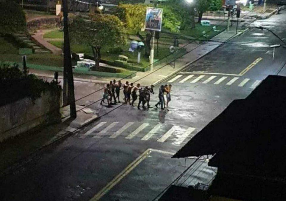 Πιο La Casa de Papel - Στην Βραζιλία έκλεψαν τράπεζα για δεύτερη νύχτα με έναν ολόκληρο «στρατό»
