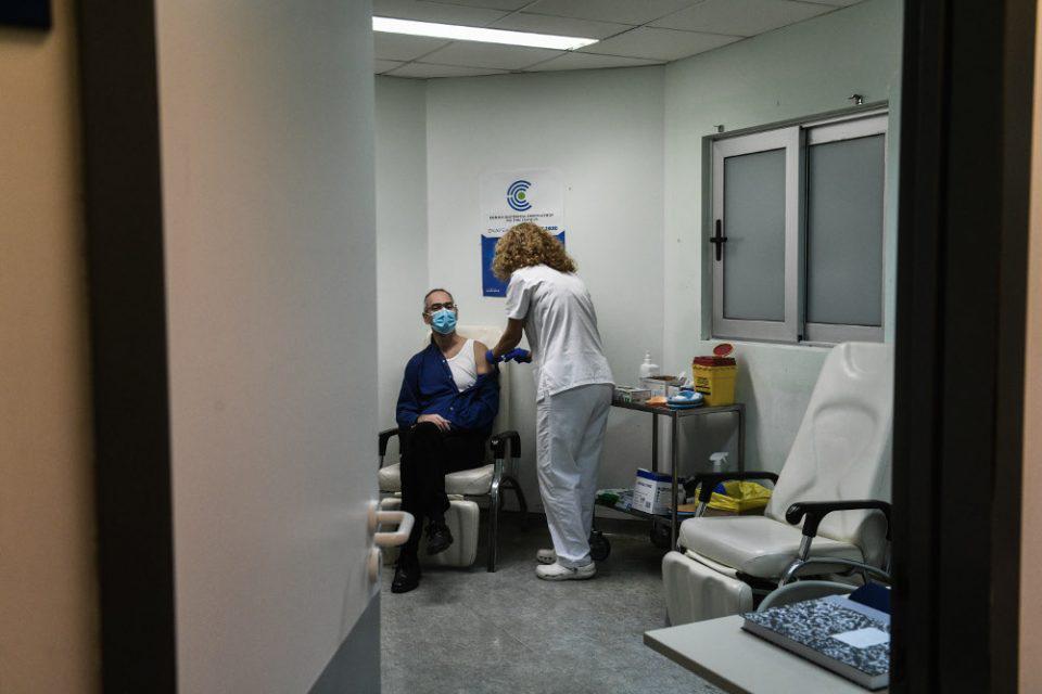 Κορωνοϊός: Ειδικό επιχειρησιακό πρόγραμμα για να μην χαθούν εμβολιασμοί λόγω της «Μήδειας»