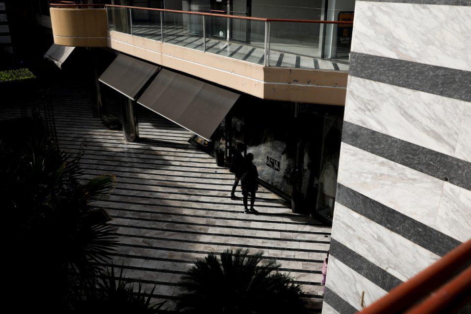 Κορωνοϊός - Γώγος: Στο τραπέζι lockdown τύπου Μαρτίου - Πώς θα ανοίξει το λιανεμπόριο