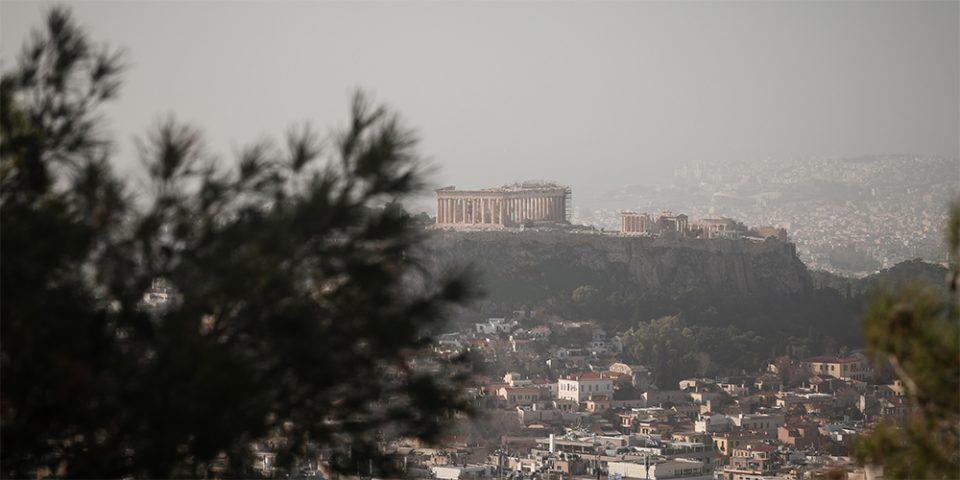 Καιρός: Βροχές και αφρικανική σκόνη σήμερα Τρίτη - Πού θα είναι έντονα τα φαινόμενα