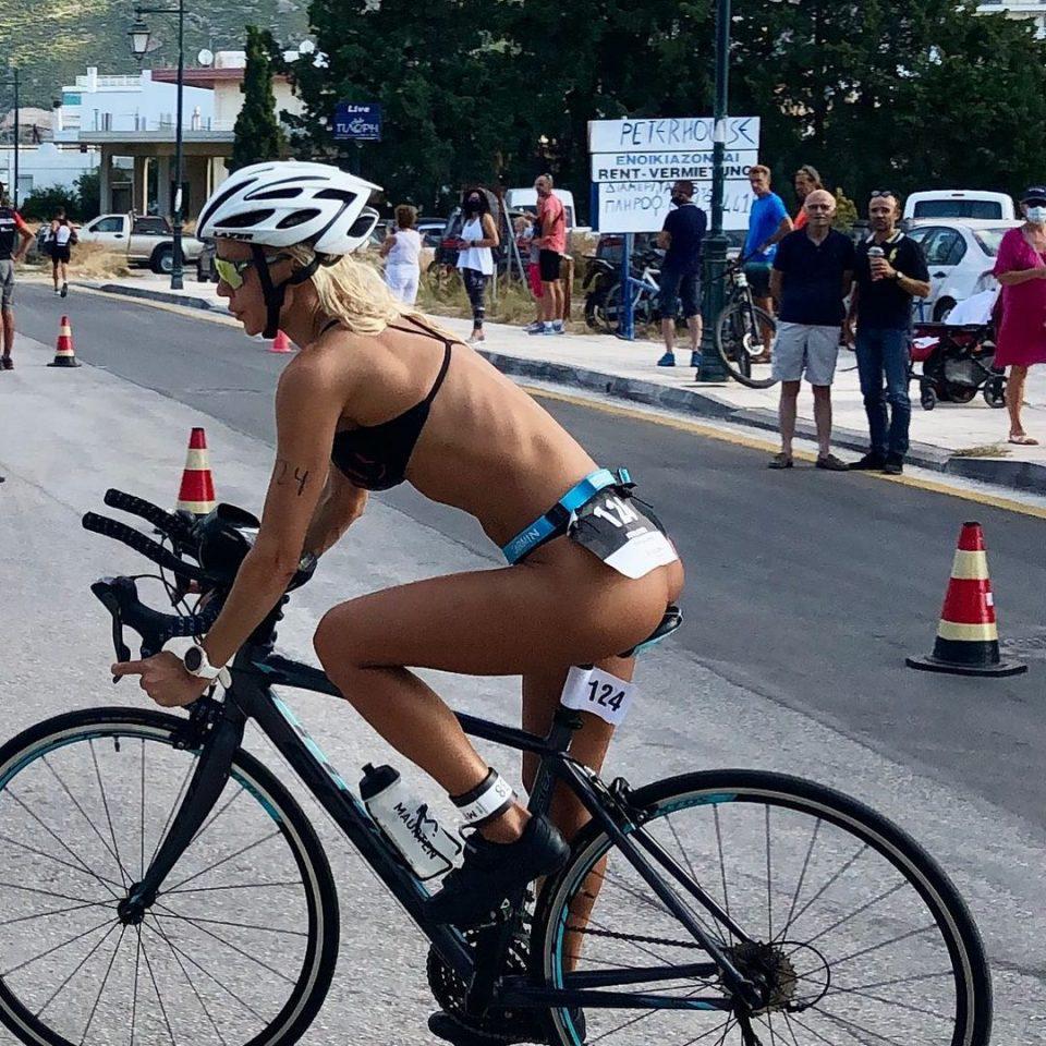Το τερμάτισε η Ασημίνα Ιγγλέζου – Κάνει spinning φορώντας το «ανύπαρκτο» μαγιό της