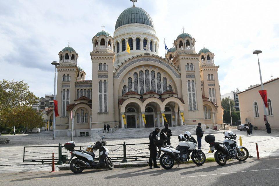 Θεοφάνεια: Το σχέδιο της ΕΛΑΣ για τις εκκλησίες - Αστυνόμευση έξω από τους ναούς