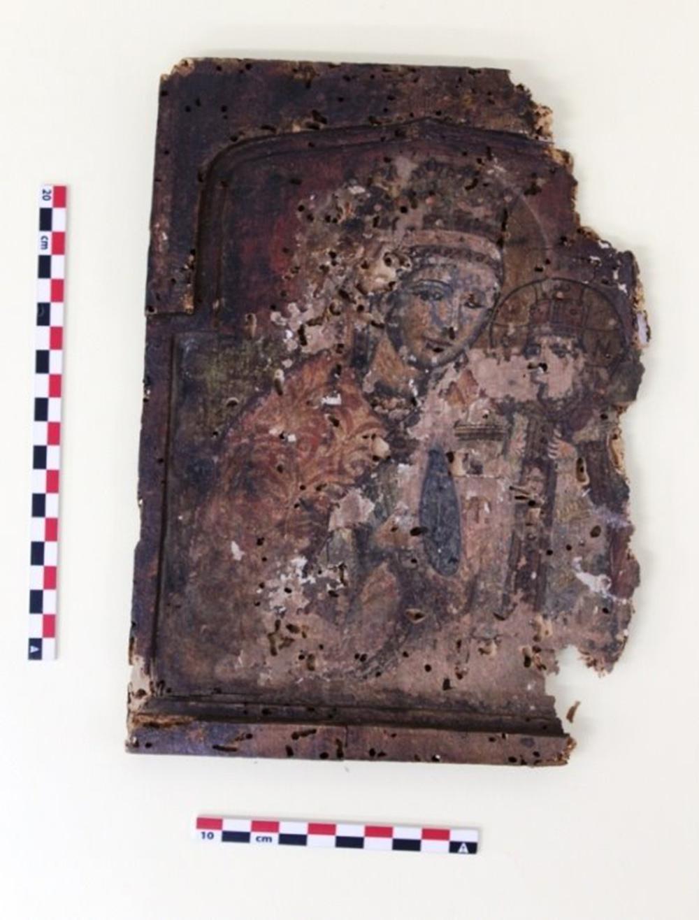 Ο θάνατος μητέρας και γιου αποκάλυψε έναν θησαυρό – Έκρυβαν στο σπίτι τους 380 θρησκευτικές εικόνες