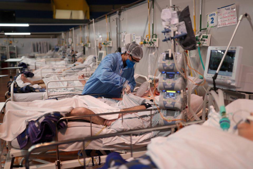 Κορωνοϊός: Σε «συναγερμό» η Αττική - Πίεση στα νοσοκομεία και τις ΜΕΘ μετά το ρεκόρ εισαγωγών - Χωρίς κενό κρεβάτι το «Σωτηρία»