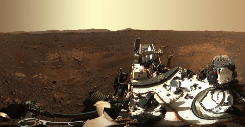 NASA: Η πρώτη πανοραμική φωτογραφία από τον πλανήτη Άρη