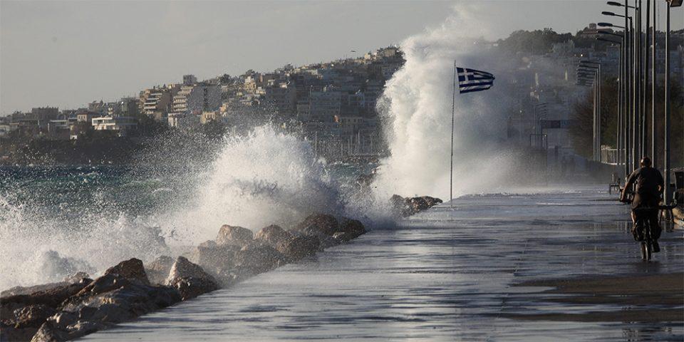 Καιρός: Απαγορευτικό απόπλου σε Πειραιά, Λαύριο και Ραφήνα