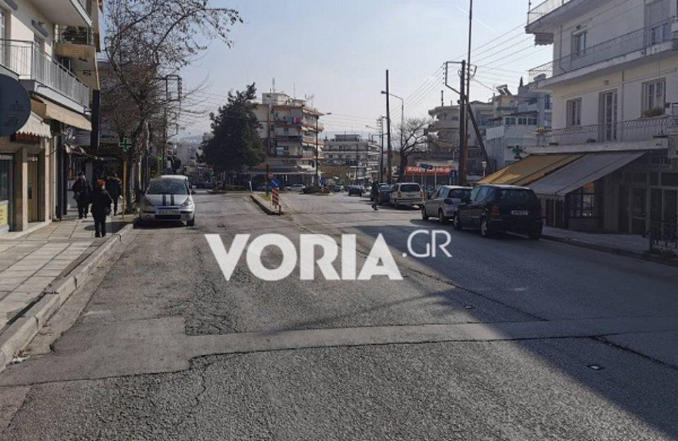 Τα τρελά του lockdown στη Θεσσαλονίκη: Ο δρόμος που η μία πλευρά έχει ανοιχτά μαγαζιά και η άλλη κλειστά