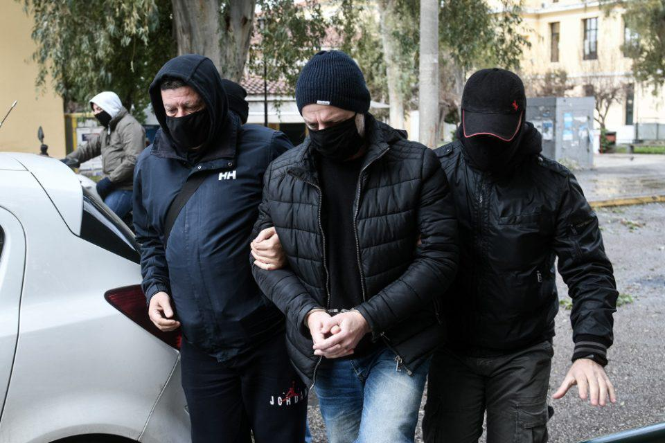 Δημήτρης Λιγνάδης: Στην Ευελπίδων ο σκηνοθέτης - Κατηγορούμενος για βιασμό κατά συρροή