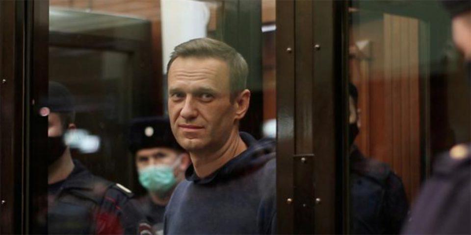 Ο Ναβάλνι σταματά την απεργία πείνας - Τι αναφέρει στο μήνυμά του
