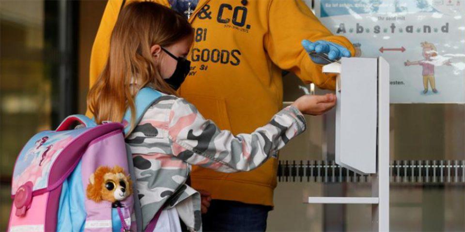 Κορονοϊός: Ενδοοικογενειακή μετάδοση από παιδιά και εφήβους