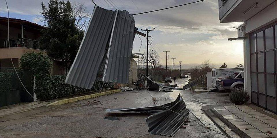 Ανεμοστρόβιλος «σάρωσε» χωριά στις Σέρρες – Ζημιές σε σπίτια [εικόνες]