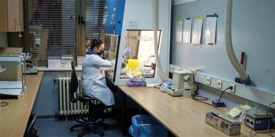 Κορωνοϊός - ΕΚΠΑ: Συνέπειες στην υγεία ακόμα και 8 μήνες μετά τη λοίμωξη από Covid-19