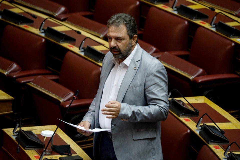 Να αρθεί η ασυλία του Αραχωβίτη, γνωμοδότησε η αρμόδια κοινοβουλευτική επιτροπή