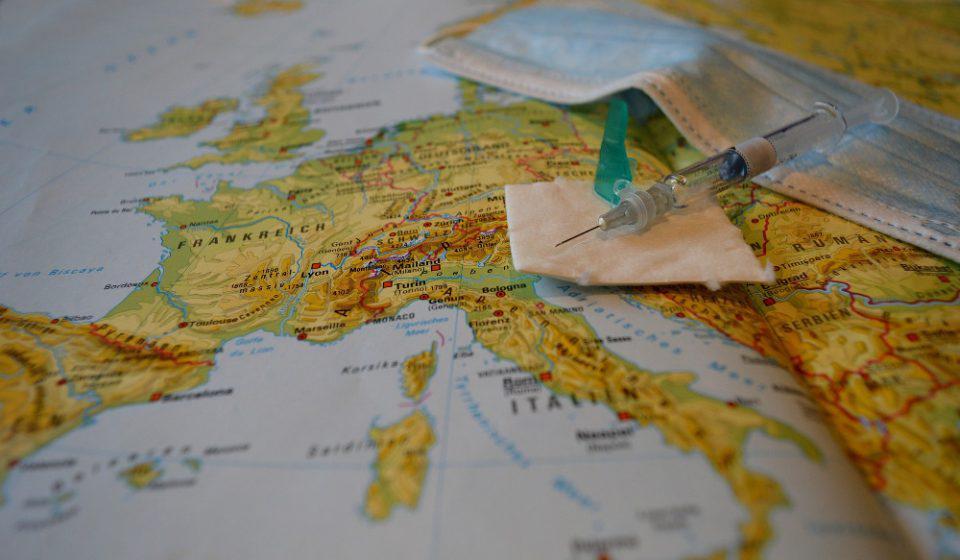 Κορωνοϊός: Πάνω από 900.000 θάνατοι έχουν καταγραφεί επισήμως στην Ευρώπη