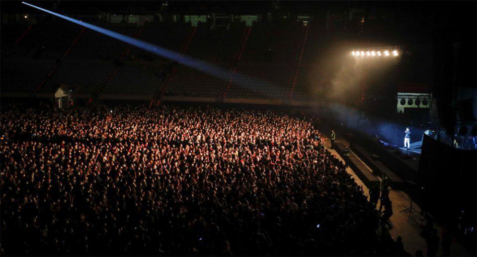 Συναυλία - πείραμα στη Βαρκελώνη: 5.000 θεατές με μάσκες και αρνητικό τεστ κορωνοϊού, αλλά χωρίς αποστάσεις [εικόνες & βίντεο]