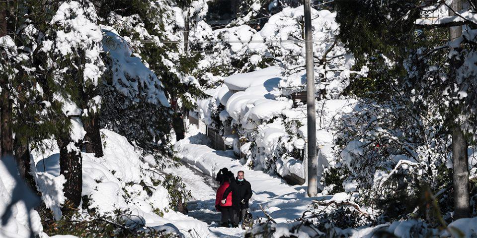 Καιρός: Καταιγίδες, χιόνια και πτώση της θερμοκρασίας - Πού θα είναι εντονότερα τα φαινόμενα