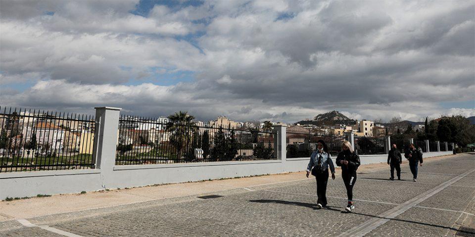 Κορωνοϊός: «Βράζει» η Αττική με 1.245 νέα κρούσματα